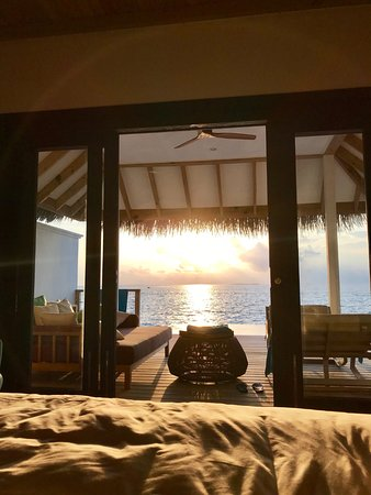 Seaside Finolhu: view from our bed at sunset