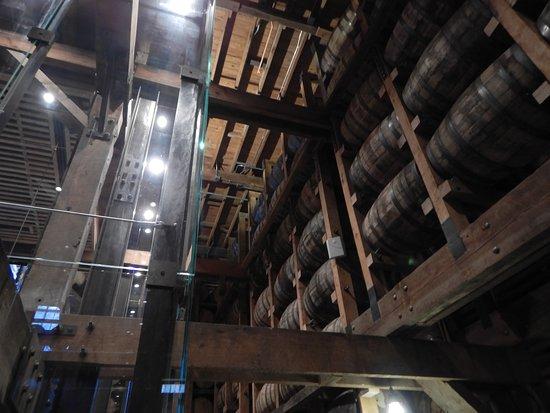 Jack Daniel's Distillery : whiskey