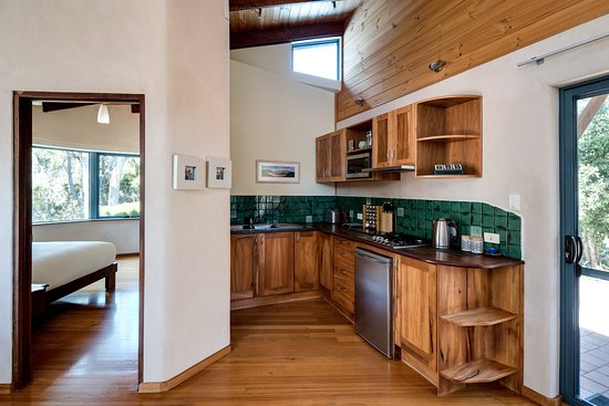 Aiyana Retreat: Rumi's kitchen