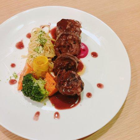 Bít tết bò kobe - Kobe beefsteak - Picture of O Bistro ...