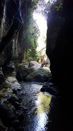 Beji Guwang Hidden Canyon: 20180529_085118_large.jpg