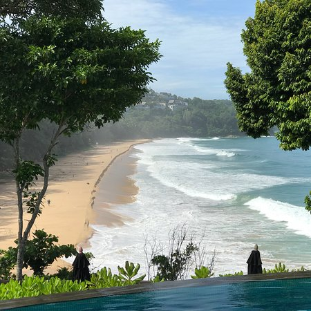 Pullman Phuket Arcadia Naithon Beach: Relaxing in the lobby bar