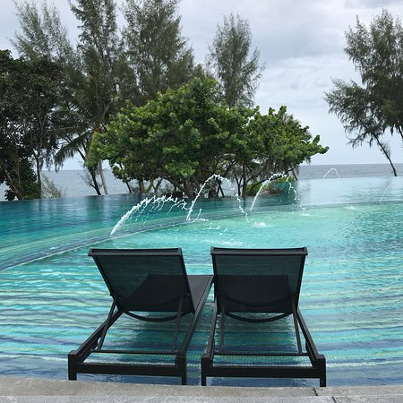 Pullman Phuket Arcadia Naithon Beach: Over looking the beach