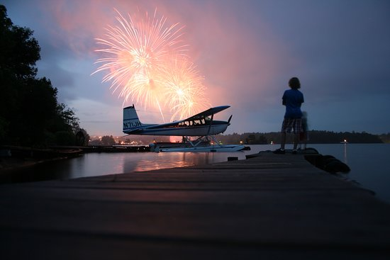 Greenville, Мэн: Independence Day Celebration on Moosehead Lake is magnificent