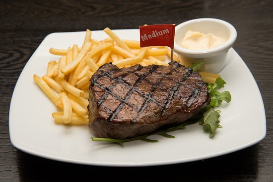 Palace Hotel Sydney since 1877: Rump Steak with Fries + Side Salad (not shown) = $15.00 Mon to Fri