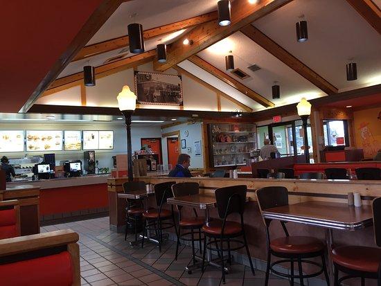 A&W Restaurant: Interior