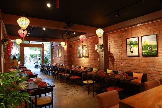 Non La Restaurant: The first floor