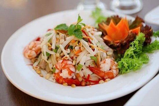 Non La Restaurant: Lotus root salad