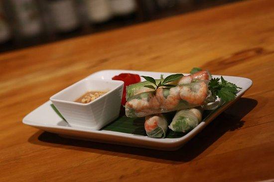 Non La Restaurant: Fresh spring roll