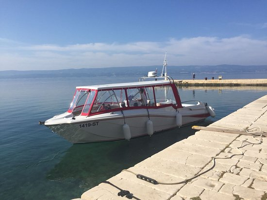 Speedboat Omis: Blue lagoon privat tour , suitable for all generations!