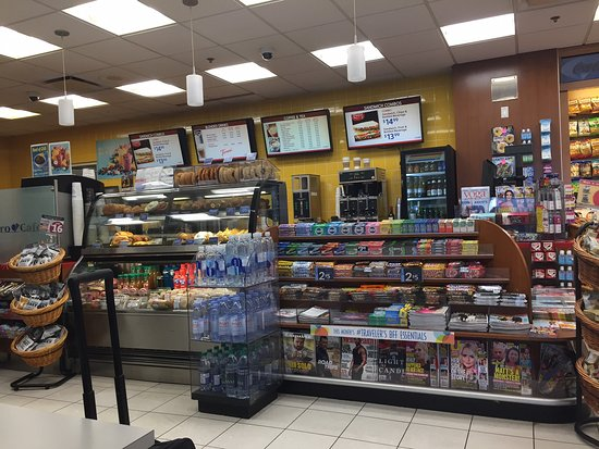Hudson News-Euro Cafe: Retail section