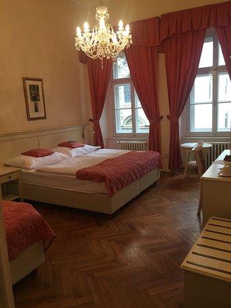 Josephine Hotel Photo