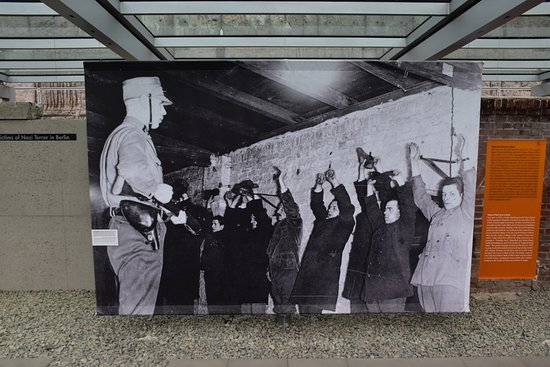 พิพิธภัณฑ์โทโปกราฟี ออฟ เทอร์เรอร์: Terrorregimet