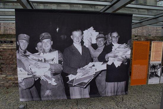 พิพิธภัณฑ์โทโปกราฟี ออฟ เทอร์เรอร์: Vanvid i øjnene under straffeaktion