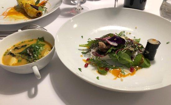 La Pente Douce: Plat (Menu déjeuner à 28€) : poisson du jour,bouillon au miso,maki Alsacien