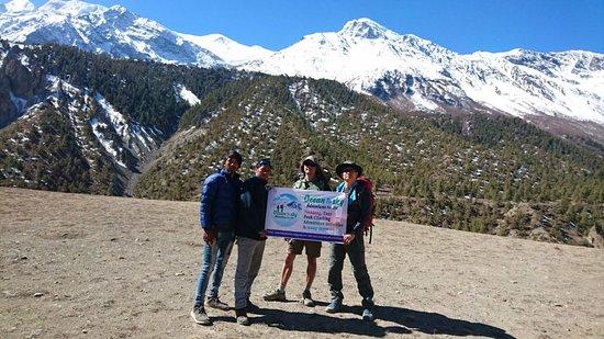 Ocean to Sky Adventures : Annapurna Circuit trek