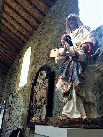 Collégiale Saint-Martin: 1500 ans d'architectures et un statuaire exceptionnel
