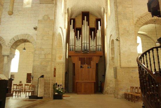 Romainmotier, Suíça: Church organ