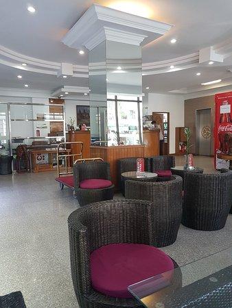 ซิตี้สตาร์ โฮเต็ล&เรสเตอรองท์: Reception & seating area
