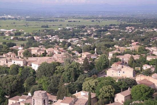 Saint-Victor-la-Coste, Frankrike: Saint Victor la Coste gesehen vom Hügel