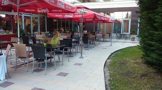 Mezokovesd, Ungarn: Hotel kinti büfé rész - pihenő