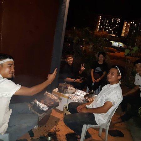 Pattaya Pie Pub and Bistro: full pack!!!👍👍👏👏👌👌