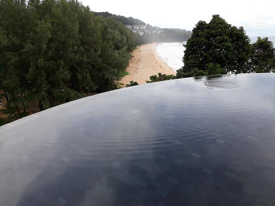 Pullman Phuket Arcadia Naithon Beach: Over looking the beach