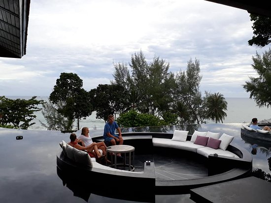 Pullman Phuket Arcadia Naithon Beach: Sunken outside lounge area