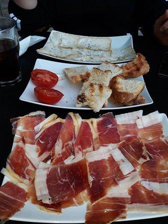 La Fresneda, Spain: Tasqueta & Meson Lo Coscoll
