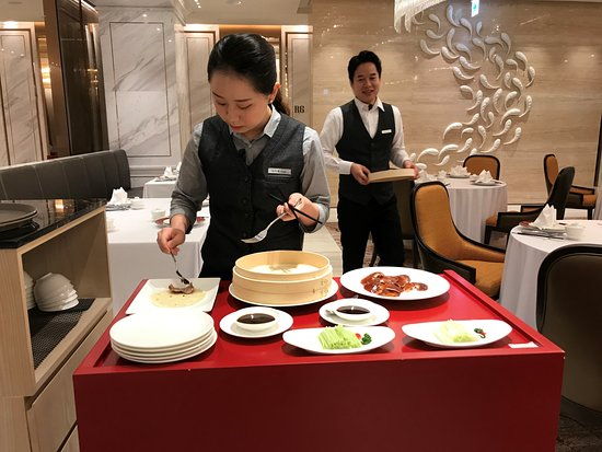 Le Chinois : super attentive and very friendly staff