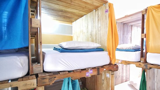 DaBlend Hostel: Our other style of private bunk beds - same same!