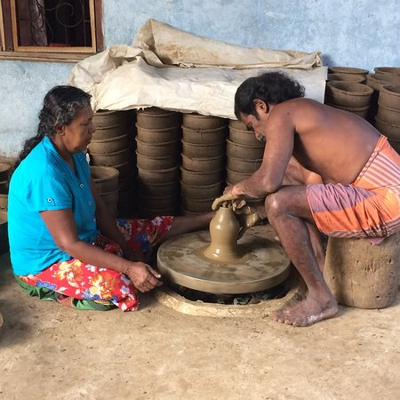 Nishadev Leisure Tours: Pottery manufacturing In Southern province 🇱🇰