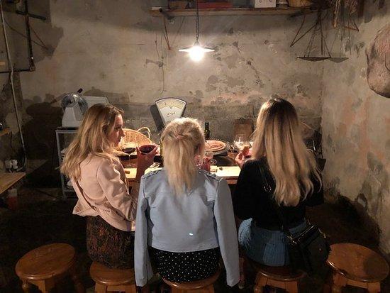 Bottega Pecchioli: red wine tasting