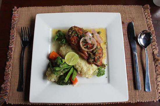Bhojghar Restaurant & Lounge Bar : lemon caper chicken