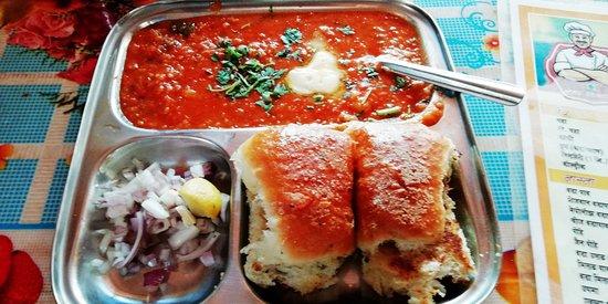 Pooja Pavbhaji And Aarjvi Snack Corner: Pav Bhaji - tasty & butterly