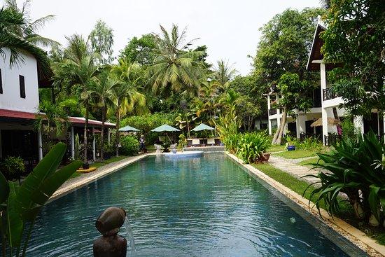 La Maison d'Angkor: Photo of pool side
