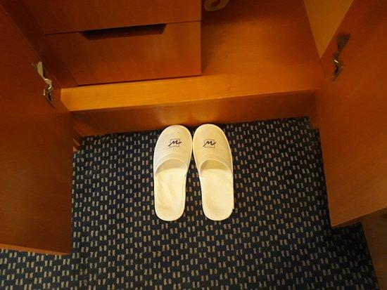 Amenities. Metropark Hotel Causeway Bay Hong Kong