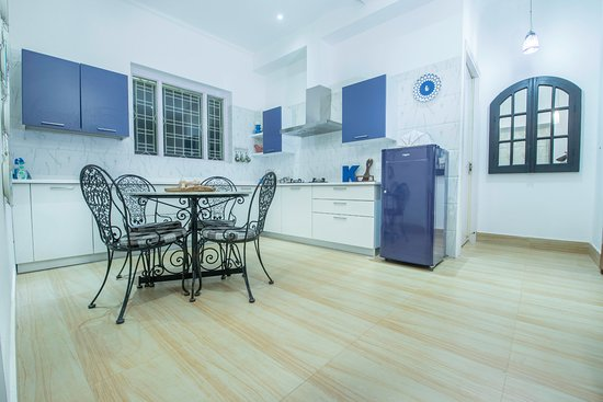 Seclude Lansdowne : Open Kitchen in The Writehouse Apartment