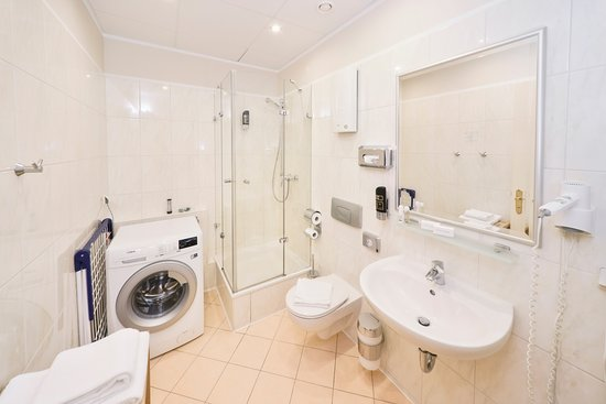 AMC Apartments : Bathroom - Joachimsthaler Str. 19