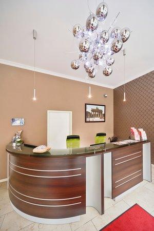 AMC Apartments : Reception