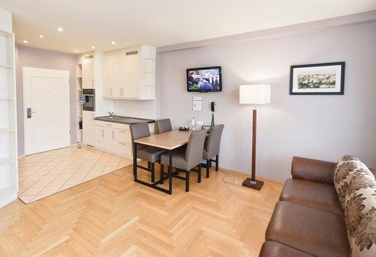 AMC Apartments : Comfort Studio Apartment