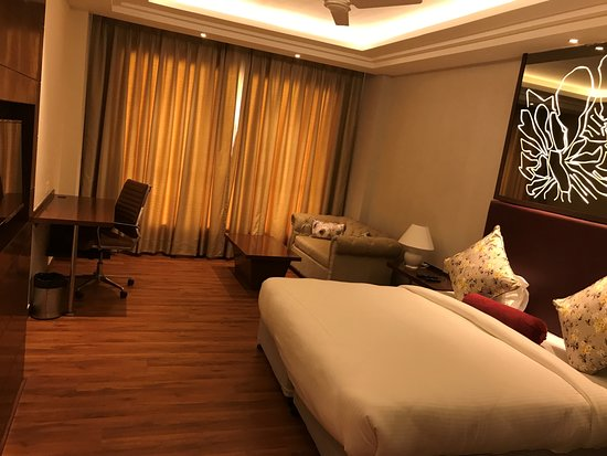 The Stardom: Deluxe Room