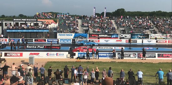 Santa Pod Raceway: The different racing classes indicate different body shapes and fuel types