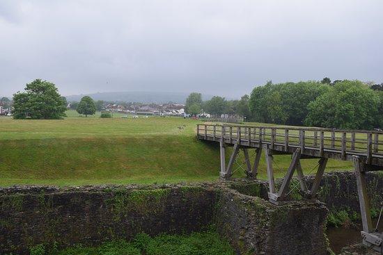 Circuit de la côte aux châteaux: View from Caerphilly castle