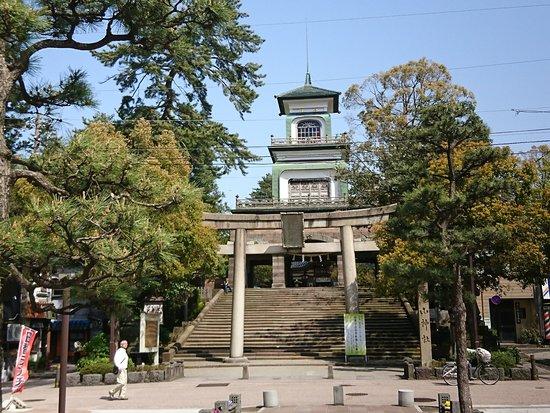 Oyama Shrine: この門がバスから見えた時は神社とは思いませんでした。