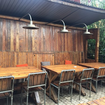 Bushpig Bar and Restaurant : Adorable design