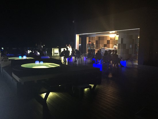 Terraza Chill Out Nocturna Picture Of Barcelo Hamilton