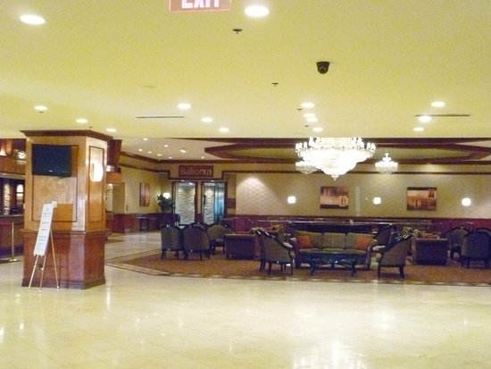 Crowne Plaza Hotel Philadelphia - Cherry Hill: Lobby