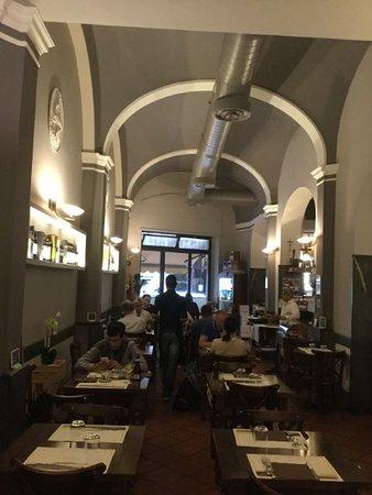 Ristorante Alla Griglia: Tavoli....puliti e in ordine..