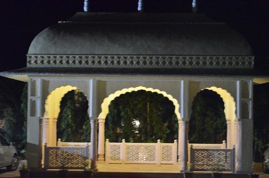 The Vijayran Palace by Royal Quest Resorts: Entrance
